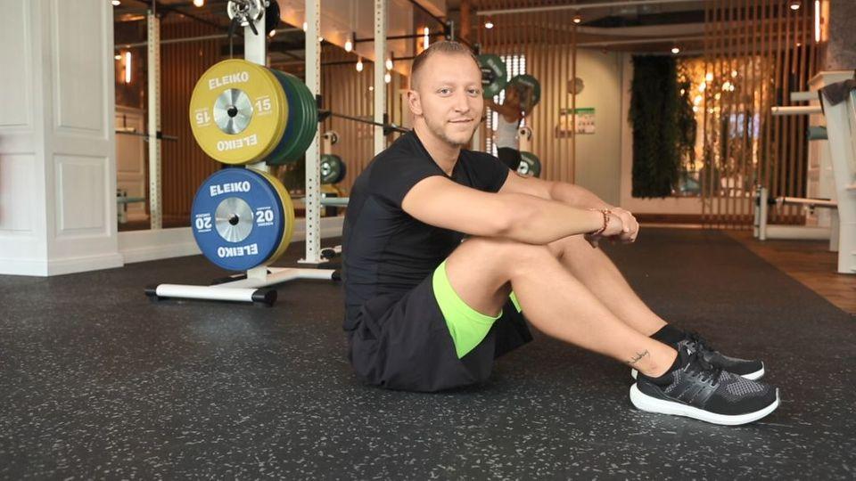 Fit mit Erik: Bauch-Beine-Po-Workout für die Weihnachtszeit (5/5)