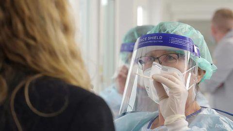 Weltärztebund-Vorsitzender: Bei 20 000 Neuinfektionen droht erneuter Lockdown