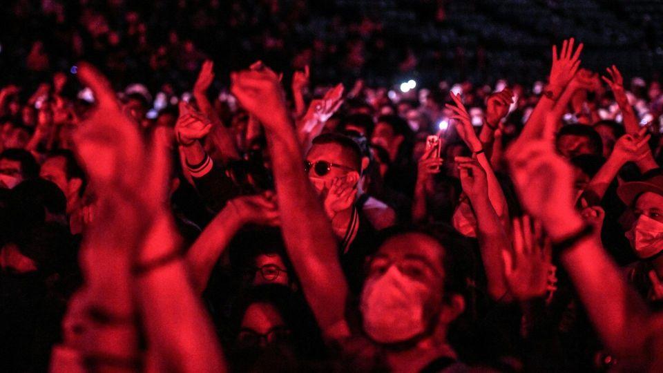 Corona-Test-Konzert in Paris: Tausende feiern für die Forschung