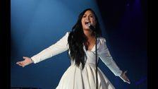 Demi Lovato has seen a UFO!