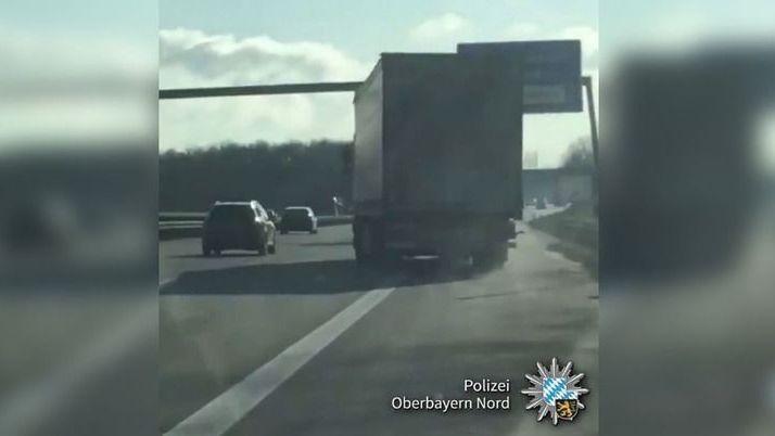 Mehr als 3 Promille: Video zeigt besoffenen LKW-Fahrer auf Autobahn