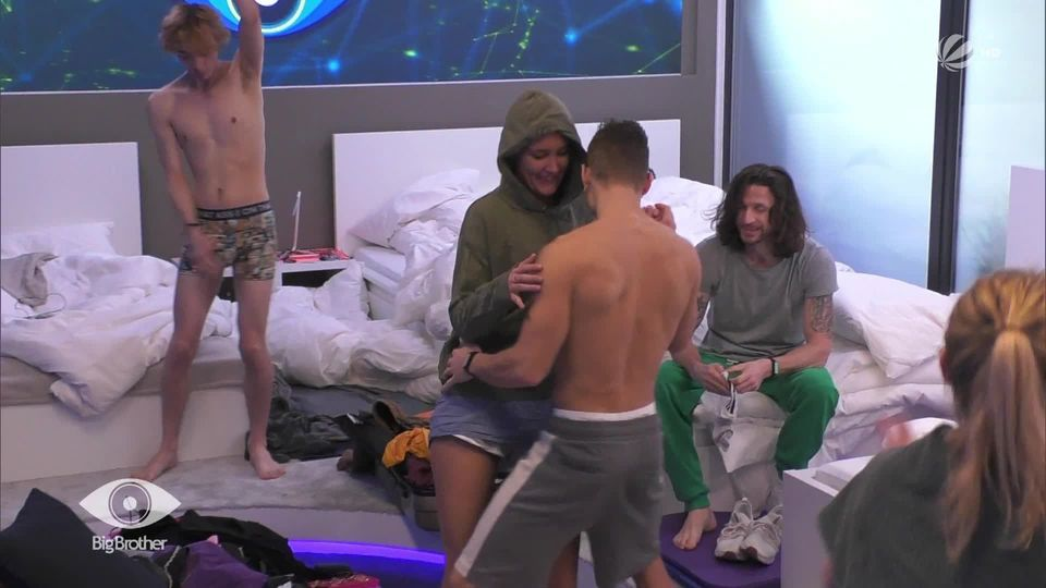 BIG BROTHER Sexy Dance-Session am Morgen!