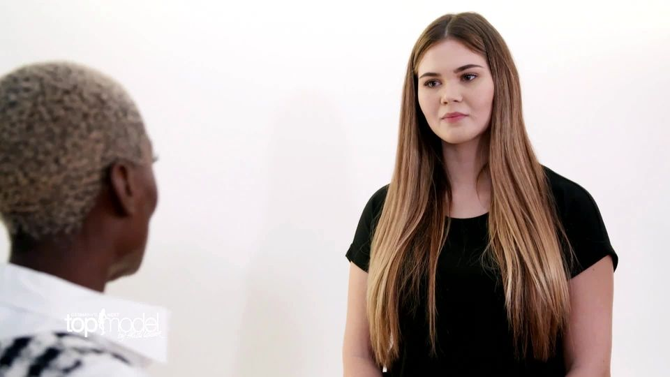 Preview: Ist Johanna bei GNTM fehl am Platz?
