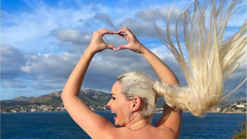 Daniela Katzenberger begeistert Fans mit Oben-ohne-Fotos