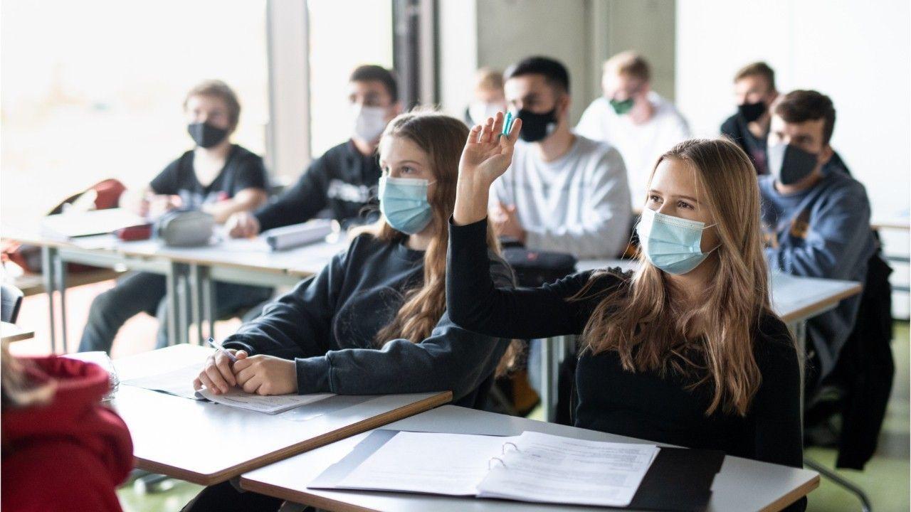 Wegen Corona: Mecklenburg-Vorpommern verschiebt Abiturprüfungen
